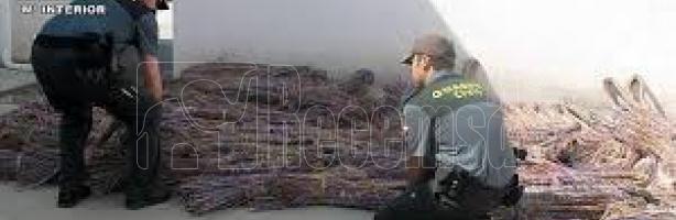 Guardas civiles actuando contra el robo de cobre