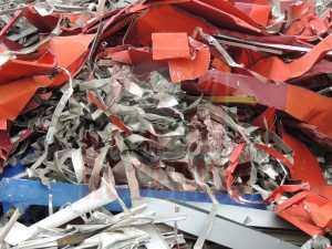 Chatarra aluminio recorte chapa lacada