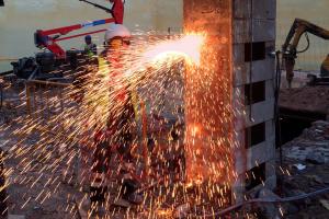 Cortando Piezas de Metal